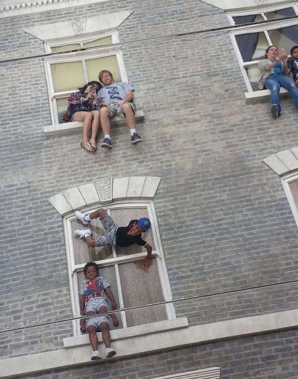 Just a windowsill cuddle.