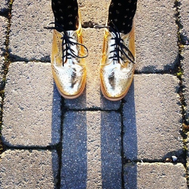 Day 13: sunshine + shiny shoes