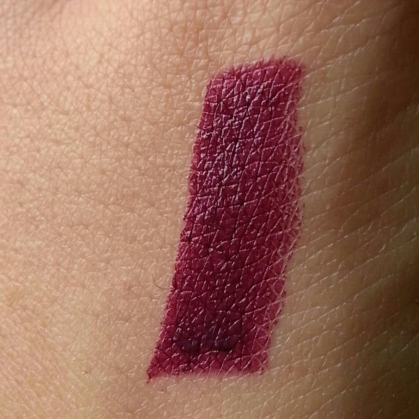 Rimmel London Moisture Renew Lipstick in Dark Night Waterl-oops! swatch 1