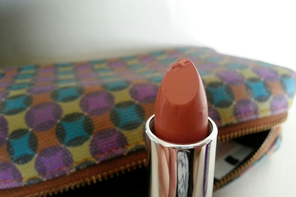 Rimmel London Moisture Renew Lipstick Nude Delight Closeup 2