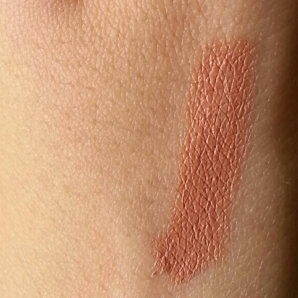 Rimmel London Moisture Renew Lipstick Nude Delight Swatch 3
