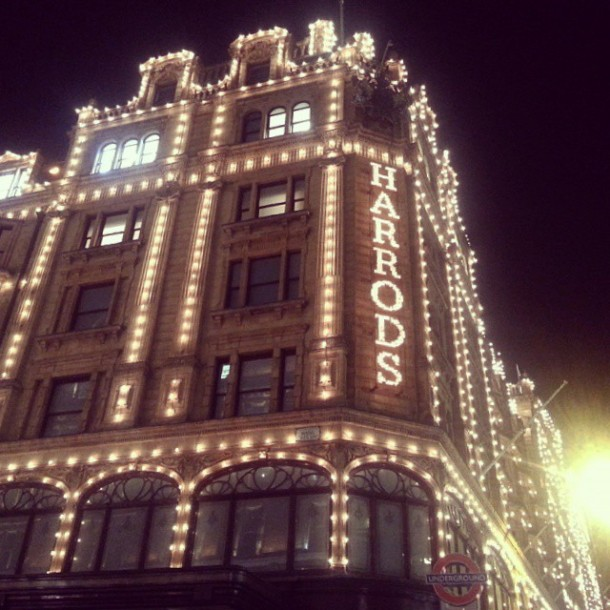 harrods at night knightsbridge london