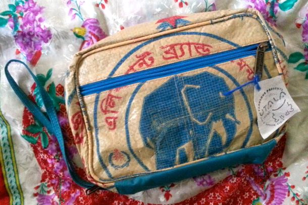 Utala_elephant_wash_bag_makeup_1