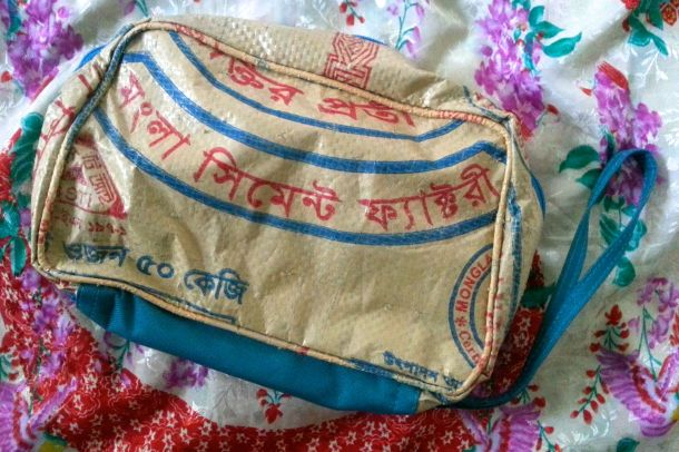 Utala_elephant_wash_bag_makeup_2