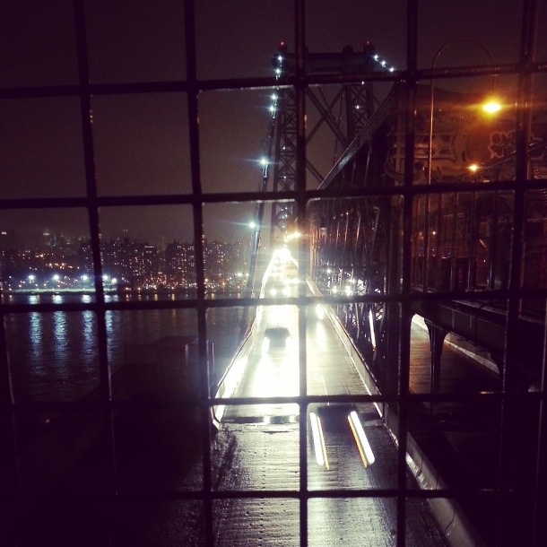 williamsburg bridge at night
