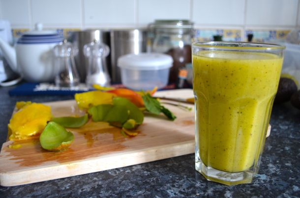 Mango Kiwi Mint Smoothie - 08