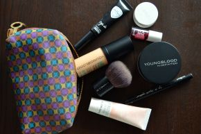 Review: Youngblood Mineral Cosmetics Liquid Foundation and Hydrating Perfecting Powder