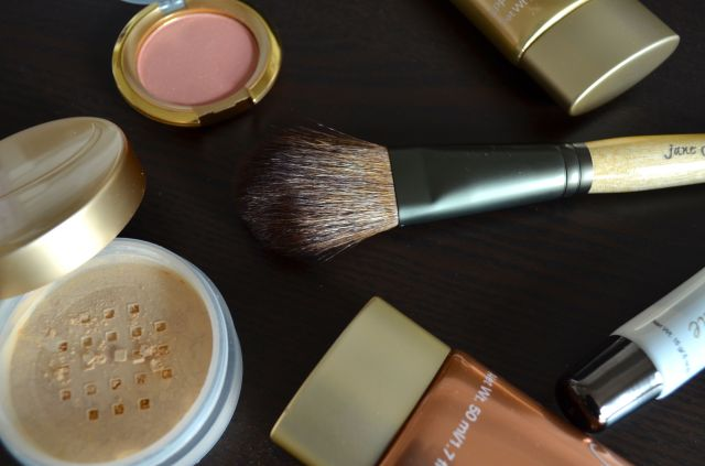 Jane Iredale Mineral Makeup Review - 01