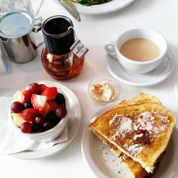 Cape Cod - Breakfast at Heaven