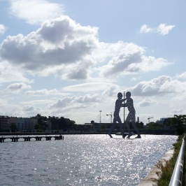 2 Molecule Man Berlin