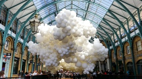 Charles Pétillon's 'Heartbeat' featuring 100,000 balloons at Covent Garden, London