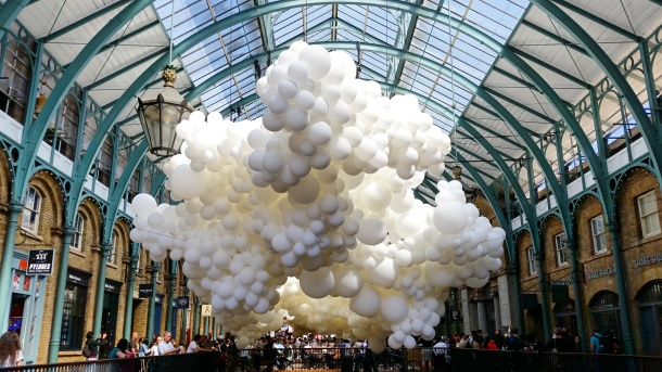 Charles Pétillon's Heartbeat featuring 100,000 balloons at Covent Garden, London 1