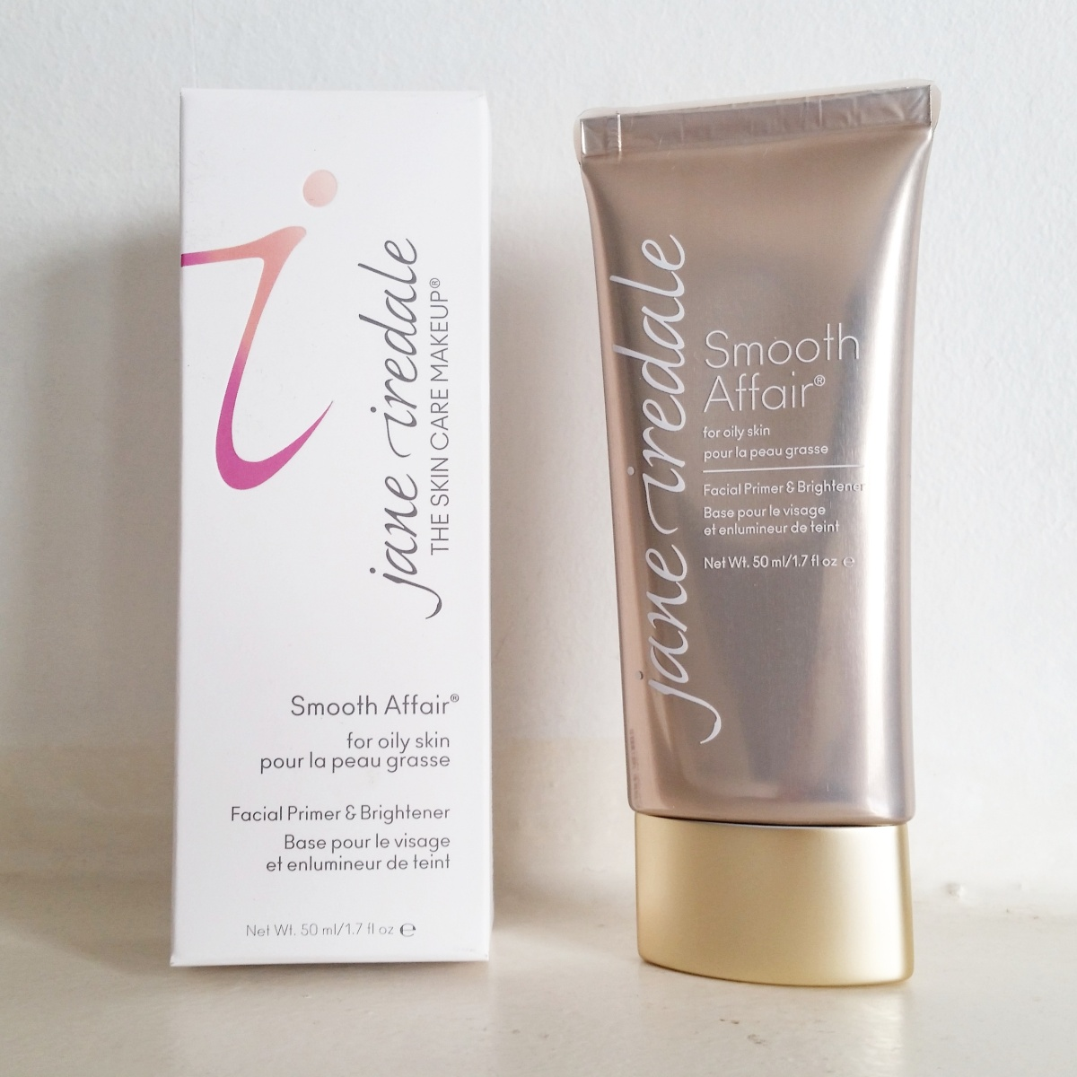 Review: New Jane Iredale Smooth Affair for Oily Skin Facial Primer & Brightener