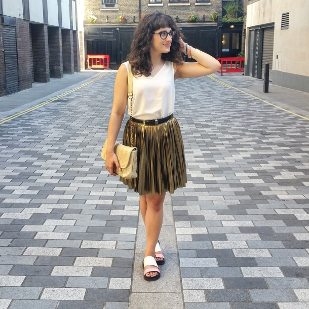 What I Wore - white v neck and gold skirt for summer 2