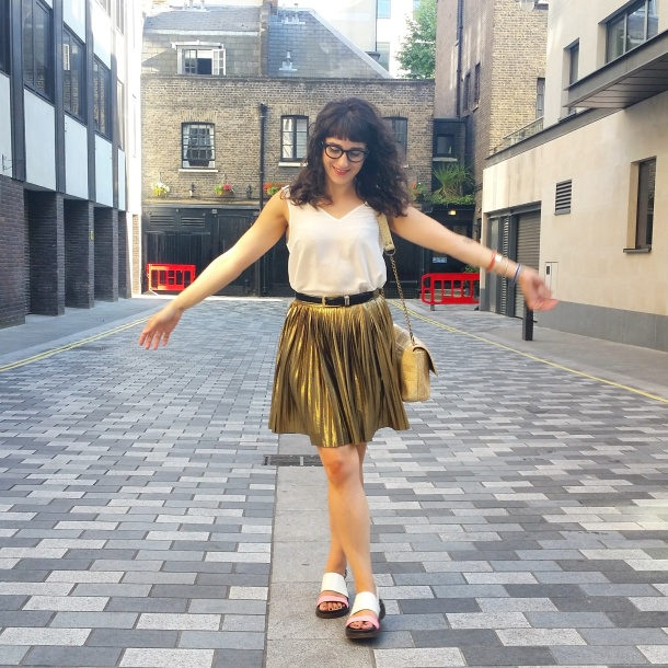 What I Wore - white v neck and gold skirt for summer 6