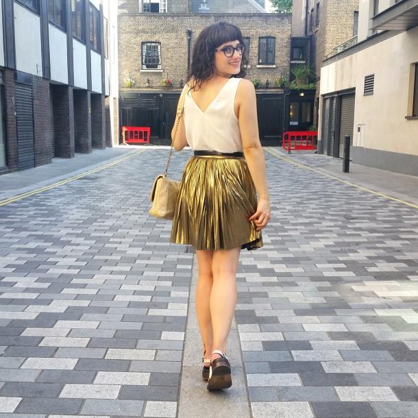 What I Wore - white v neck and gold skirt for summer 8
