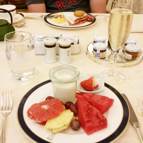 1 Cava and fruit breakfast at Hotel Wellington