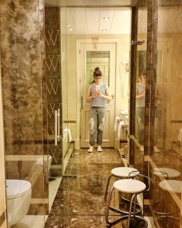 13 Bathroom at Hotel Wellington