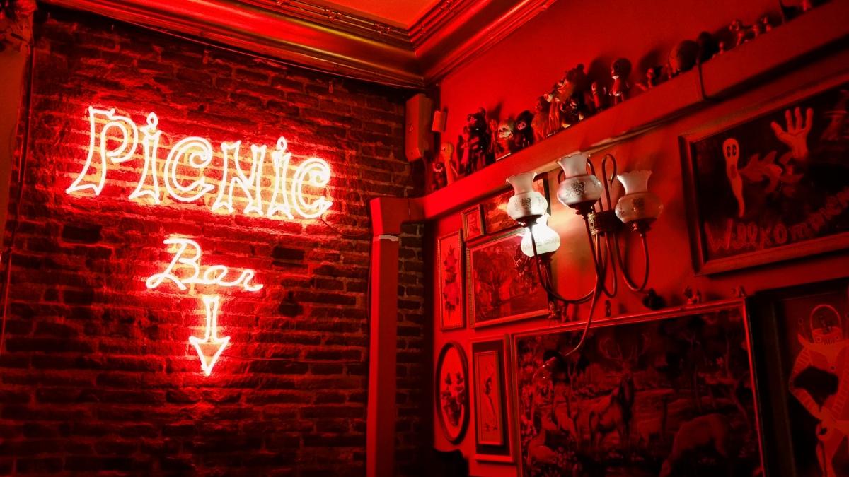 19 Neon sign at Picnic Bar | Call me Katie
