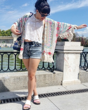 What I Wore: high waisted shorts, crop top and kimono jacket