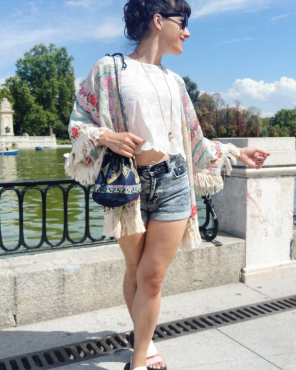 5 What I Wore - crop top, high waisted shorts and kimono jacket