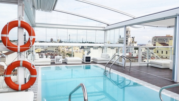 7 Pool with a view at the Rooftop Pool Bar at Room Mate Óscar