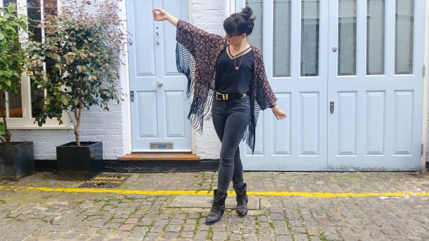 Call Me Katie - What I Wore - Ichi Marble Pendant Necklace, ASOS V neck vest top, All Saints high waist skinny jeans and cowgirl boots - 11