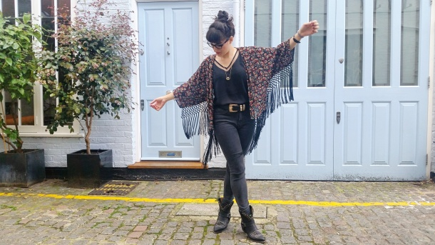 Call Me Katie - What I Wore - Ichi Marble Pendant Necklace, ASOS V neck vest top, All Saints high waist skinny jeans and cowgirl boots - 12