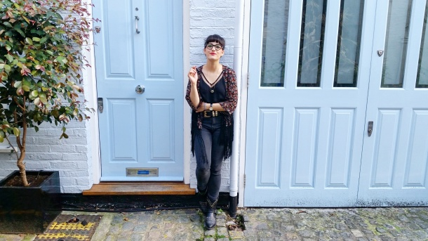 Call Me Katie - What I Wore - Ichi Marble Pendant Necklace, ASOS V neck vest top, All Saints high waist skinny jeans and cowgirl boots - 3