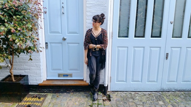 Call Me Katie - What I Wore - Ichi Marble Pendant Necklace, ASOS V neck vest top, All Saints high waist skinny jeans and cowgirl boots - 4