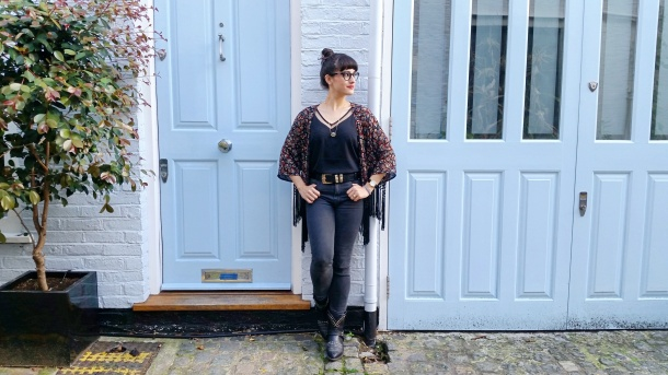 Call Me Katie - What I Wore - Ichi Marble Pendant Necklace, ASOS V neck vest top, All Saints high waist skinny jeans and cowgirl boots - 5