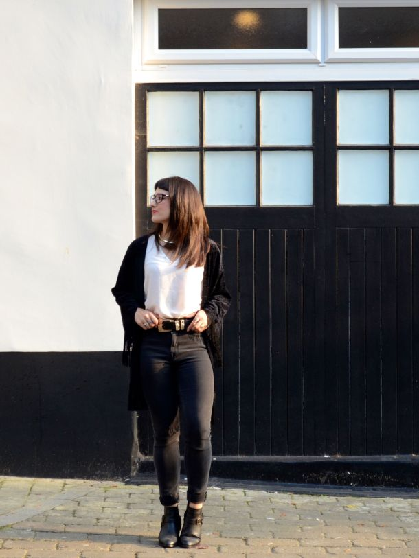 Call Me Katie - What I Wore - AW2015 Black Kimono and ASOS Torque Necklace with V neck - skinny jeans -ankle boots - black kimono - Weekend or Day to Night Look - 04