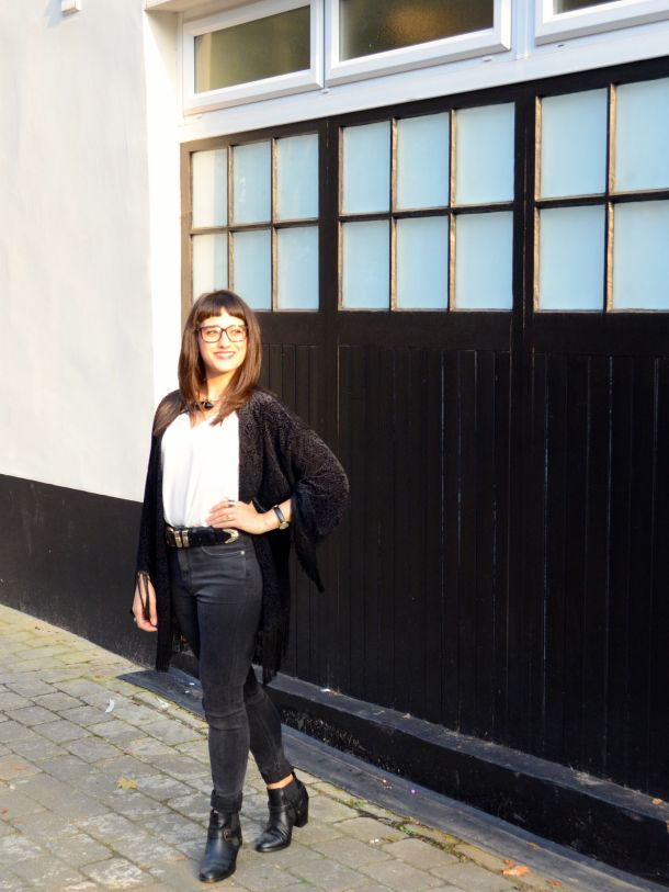 Call Me Katie - What I Wore - AW2015 Black Kimono and ASOS Torque Necklace with V neck - skinny jeans -ankle boots - black kimono - Weekend or Day to Night Look - 06