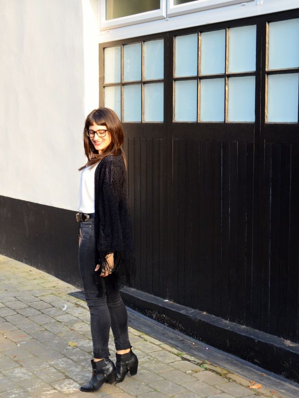 Call Me Katie - What I Wore - AW2015 Black Kimono and ASOS Torque Necklace with V neck - skinny jeans -ankle boots - black kimono - Weekend or Day to Night Look - 08