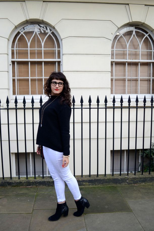 Call Me Katie - White jeans, black sweater and ankle boots for a day to night winter look - 04