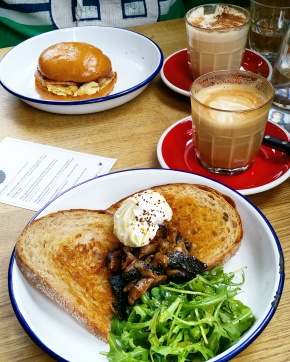 Sunday brunch & What I Wore at The Spoke in Islington, North London