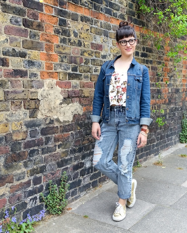 Call Me Katie - Lost Ink cropped floral cami with ripped mom jeans by Noisy May and gold Superga sneakers via ASOS for a spring look to wear to Sunday lunch weekend style 1