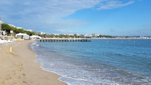 Call Me Katie - Magnum Cannes - beach views