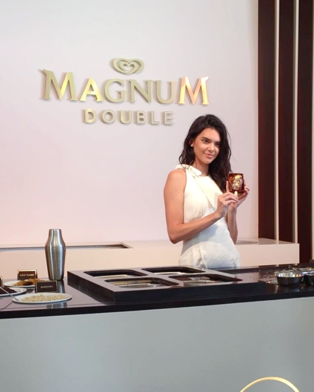 Call Me Katie - Magnum Cannes - dipping Magnums with Kendall Jenner 3