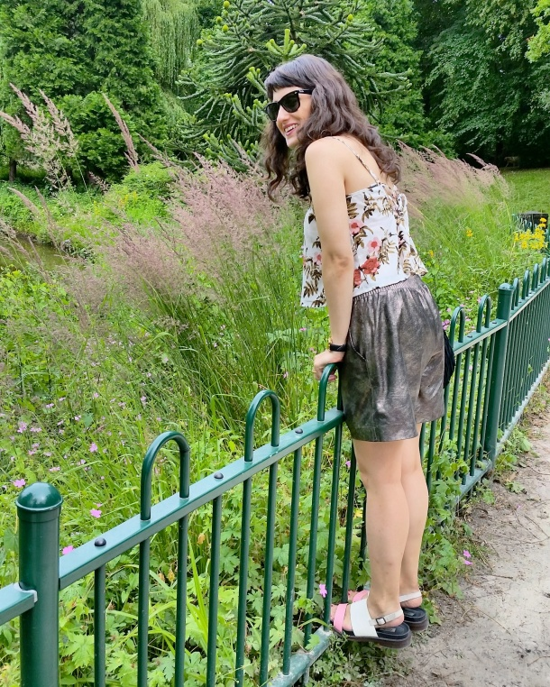 Call Me Katie - What I Wore - gold leather shorts and a palm print vest top for a weekend walk in the park 7