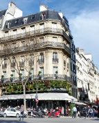 Call Me Katie - Instagramable Spots in Paris - Cafe de Fleurs