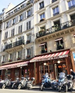 Call Me Katie - Instagramable Spots in Paris - La Fontaine de Mars cafe