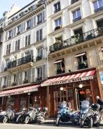 Call Me Katie - Instagramable Spots in Paris - La Fontaine de Mars cafe