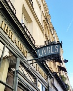 Call Me Katie - Instagramable Spots in Paris - Livres sign