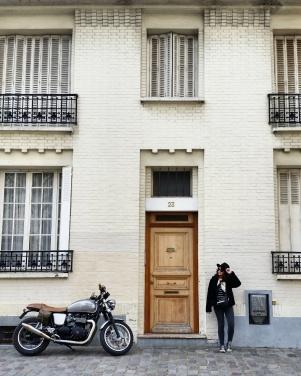 Call Me Katie - Instagramable Spots in Paris - Montmartre - a front door and a motorbike