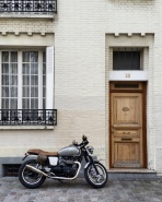 Call Me Katie - Instagramable Spots in Paris - Montmartre - a front door with a motorcycle