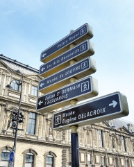 Call Me Katie - Instagramable Spots in Paris - Street Signs