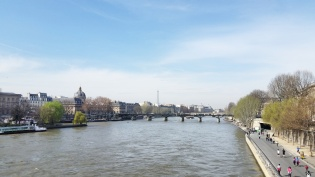 Call Me Katie - Instagramable Spots in Paris - the Seine