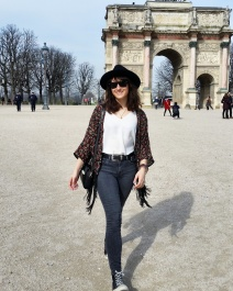 Call Me Katie - What I Wore In Paris - Zara Fedora Kate Spade Bag Levi Jeans Converse Topshop Kimono near the Louvre