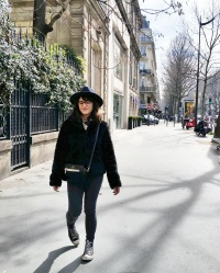 Call Me Katie - What I Wore In Paris - Zara Fedora Kate Spade Bag Levi Jeans Faux Fur Coat 2
